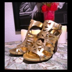 Vince Camuto -VC Dries